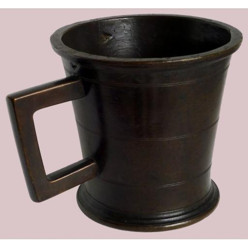 Museum quality English bronze pint standard measure dated 1663
