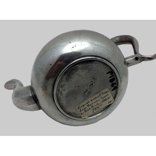 P1869 Bush teapot base.jpg