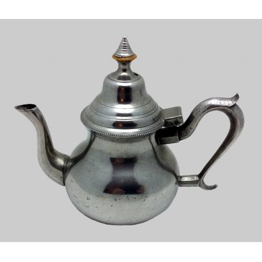 Small Bristol high dome pewter teapot by Robert Bush, Bristol 1755-90