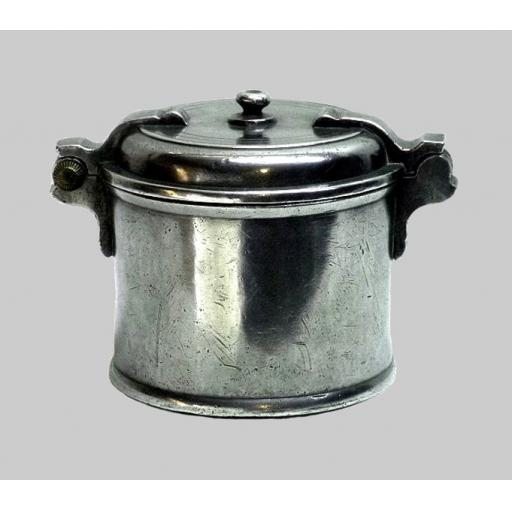 Small high status German pewter salt box by Johan Georg Marx, Nuremberg 1745-72
