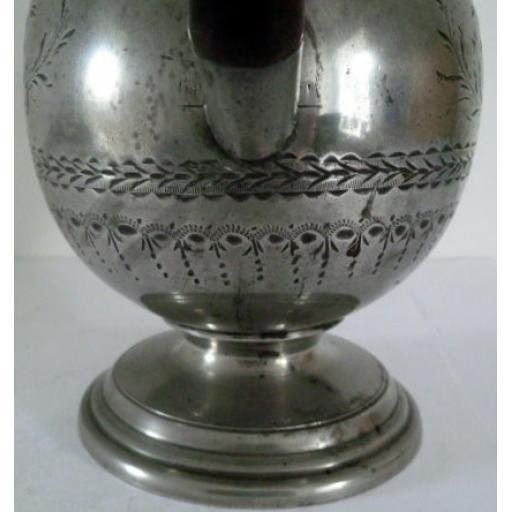 Coffee pot 3829 engraving.jpg